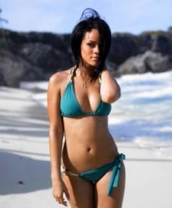 Rihanna v plavkách